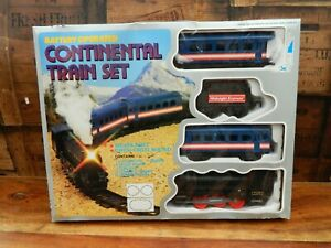 Vintage-Continental-Train-Set-with-Track-1990-039-s-Retro-Boxed