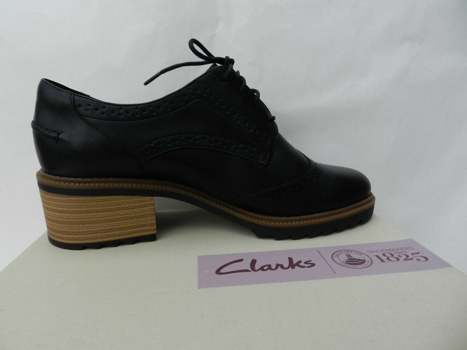 Clarks Balmer Bella shoes Femme 41.5 Escarpins Derbies Oxford UK7.5 D Neuf