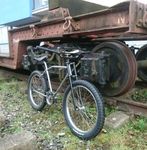 raleigh-bomber-clunker-vintage-cruiser-custom-bicycle-early-mountain-bike-style