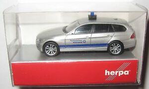 Herpa-048064-BMW-3er-touring-THW-Technisches-Hilfswerk-silber-blau-1-87