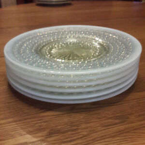 Set-of-6-Anchor-Hocking-Moonstone-opalescent-8-1-2-034-plates