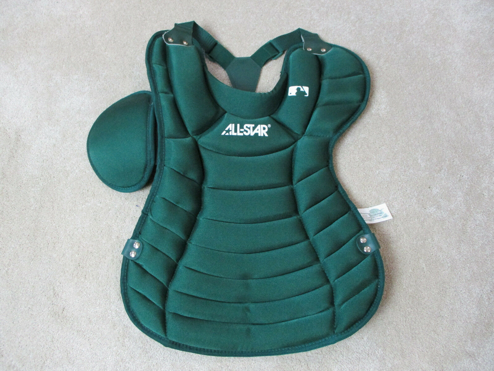 c4d8768c4 NEW All Trad Catchers Chest Predector Adult Green Gear 15.5 Inch Star  CP25PRO nvgvdw2618-Catcher Protection