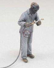 Royal Model 1/35 Workshop Mechanic using Gas Welder No.3 [Resin Figure kit] 685