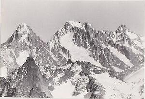 PHOTO-NOIR-et-BLANC-AGRANDISSMENT-MASSIF-MONTAGNEUX-ENNEIGE-ANNEE-70-80