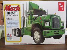 AMT1039 Mack R Model, 685ST.  Bulldog, Maxidyne.  1/25th scale.