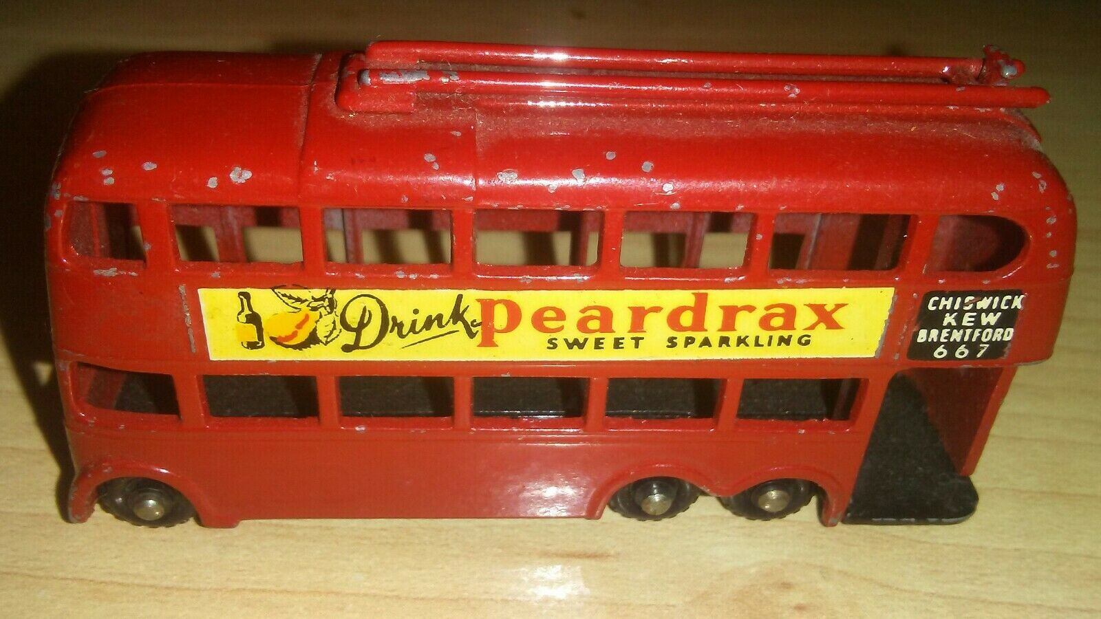 MATCHBOX LESNEY PEARDRAX LONDON TROLLEYBUS PLASTIC WHEELS