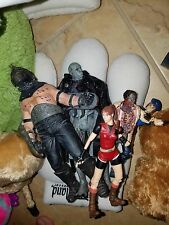 LOT OF VARIOUS RESIDENT EVIL SERIES FIGURES VIDEO GAME CAPCOM, FREE SHIPPING