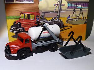 805-Camion-Unic-Multibenne-Marrel-et-citerne-Primagaz-de-dinky-toys-atlas