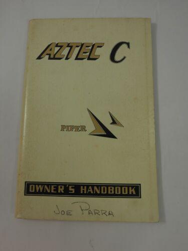 The Piper Aztèque  C  Avion Handbook Propriétaire 1968