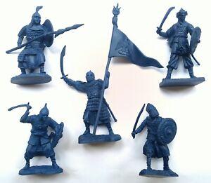 Toy-soldiers-Saracens-Infantry-Soft-plastic-rubber-5pcs-56-60mm