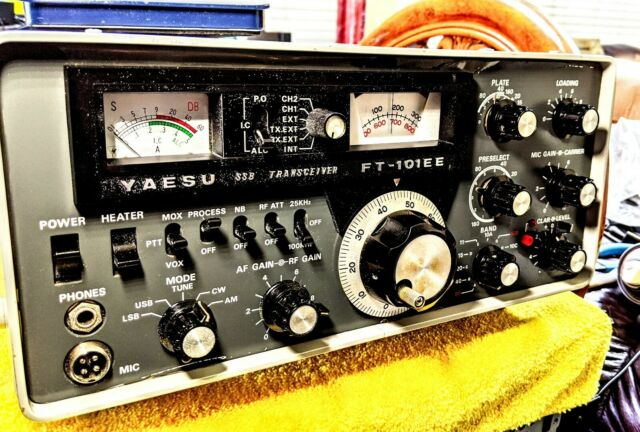 YAESU FT-101EE HF TRANSCEIVER  AM FILTER 11mtr CRYSTAL HAND MIC. CLEAN