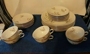 Vintage-Royal-Duchess-Fine-China-Bavaria-Germany-Mountain-Bell-Dinnerware-Set