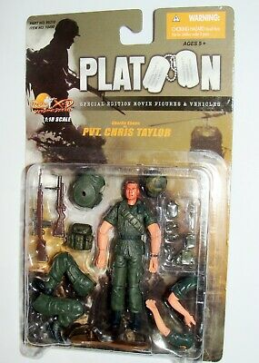 1//18 Ultimate Soldier U.S Army Vietnam Platoon Charlie Sheen Chris Taylor Figure