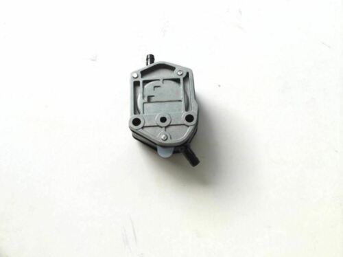 65HP Boat For Suzuki Outboard 15100-94302 15100-94303 Fuel Pump Assy DT 25HP