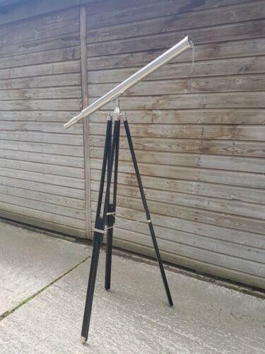 Arte y antigüedades Telescopio de latón de tamaño completo en un soporte trípode de madera 39 longitud del tubo