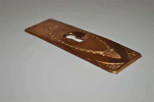 Chapetón De Latón Antiguo Original prensado placa Ojo De La Cerradura Armario Muebles KP12