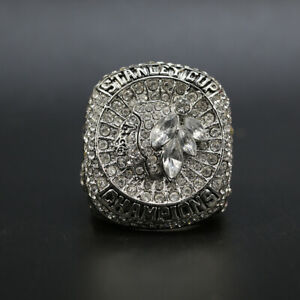 Jonathan-Toews-2015-Chicago-Blackhawks-Stanley-Cup-Hockey-Championship-Ring
