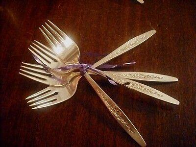 INTERNATIONAL DEEP SILVER SILVERPLATE Laurel Mist 4  salad forks EXCELLENT