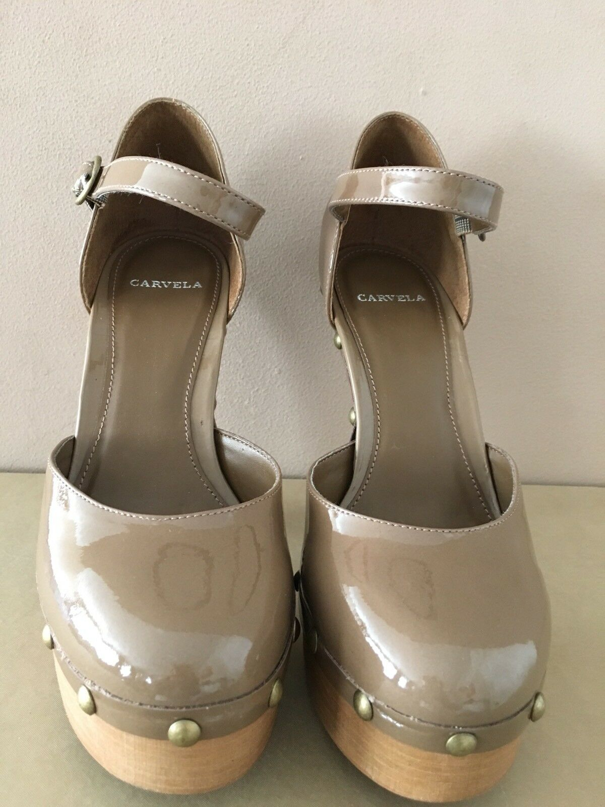 Carvela Ladies Taupe Patent Court shoes Size39 BNIB