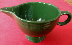 Vintage-1951-Fiesta-DARK-FOREST-GREEN-Ring-Handle-Creamer-MINT-CONDITION-amp-Color
