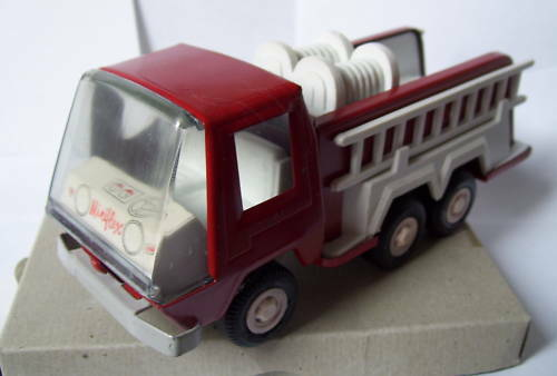 OLD RARE TOY MINIFLEX HONG KONG FIRE ENGINE FIREFIGHTERS