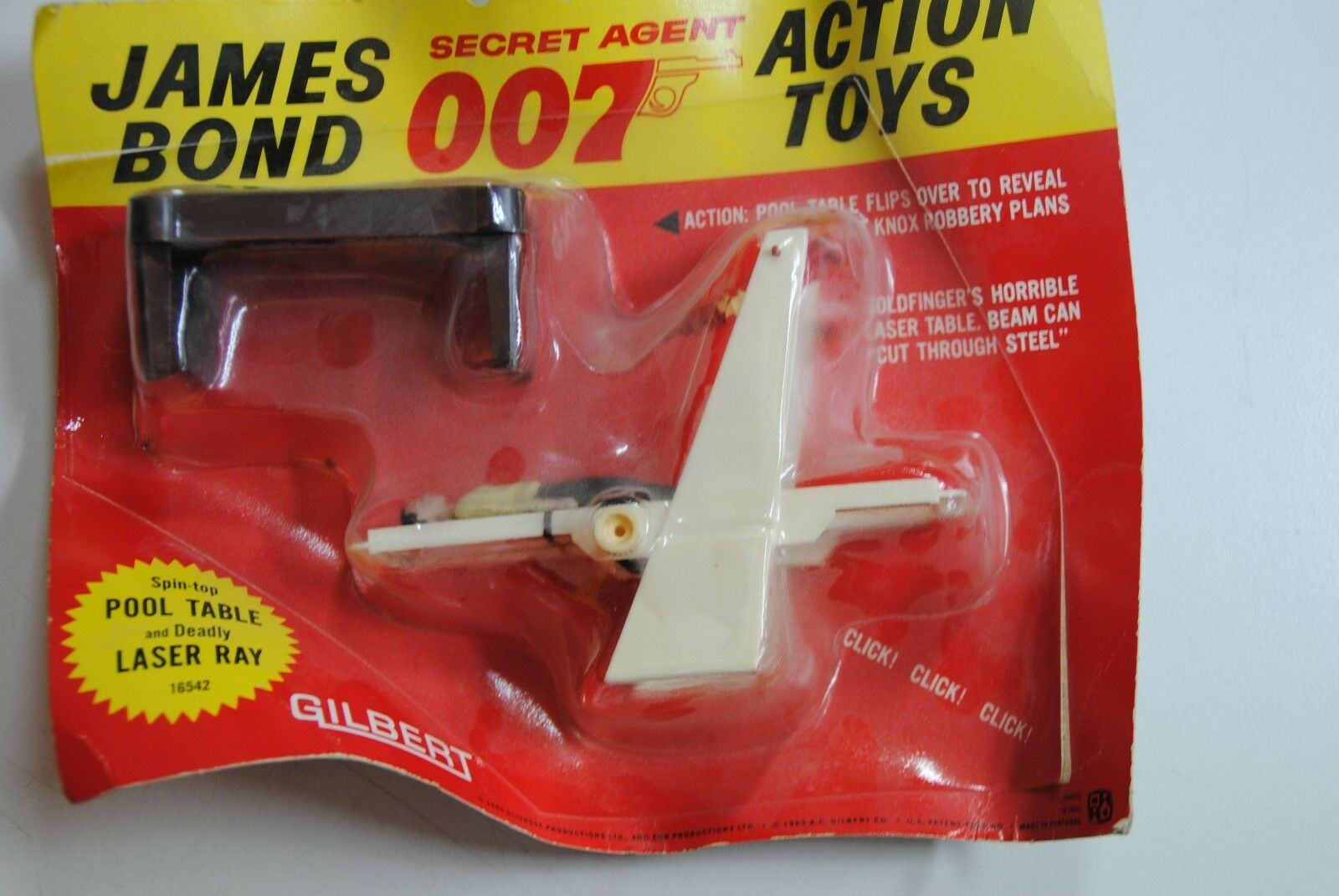 Gilbert 1965, James Bond, agente 007, Mesa de billar y láser.