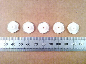 Qty 5 : 16mm Plastic Gear Wheels, 30 Teeth Cogs for Push-Fit on 2mm Motor Shaft
