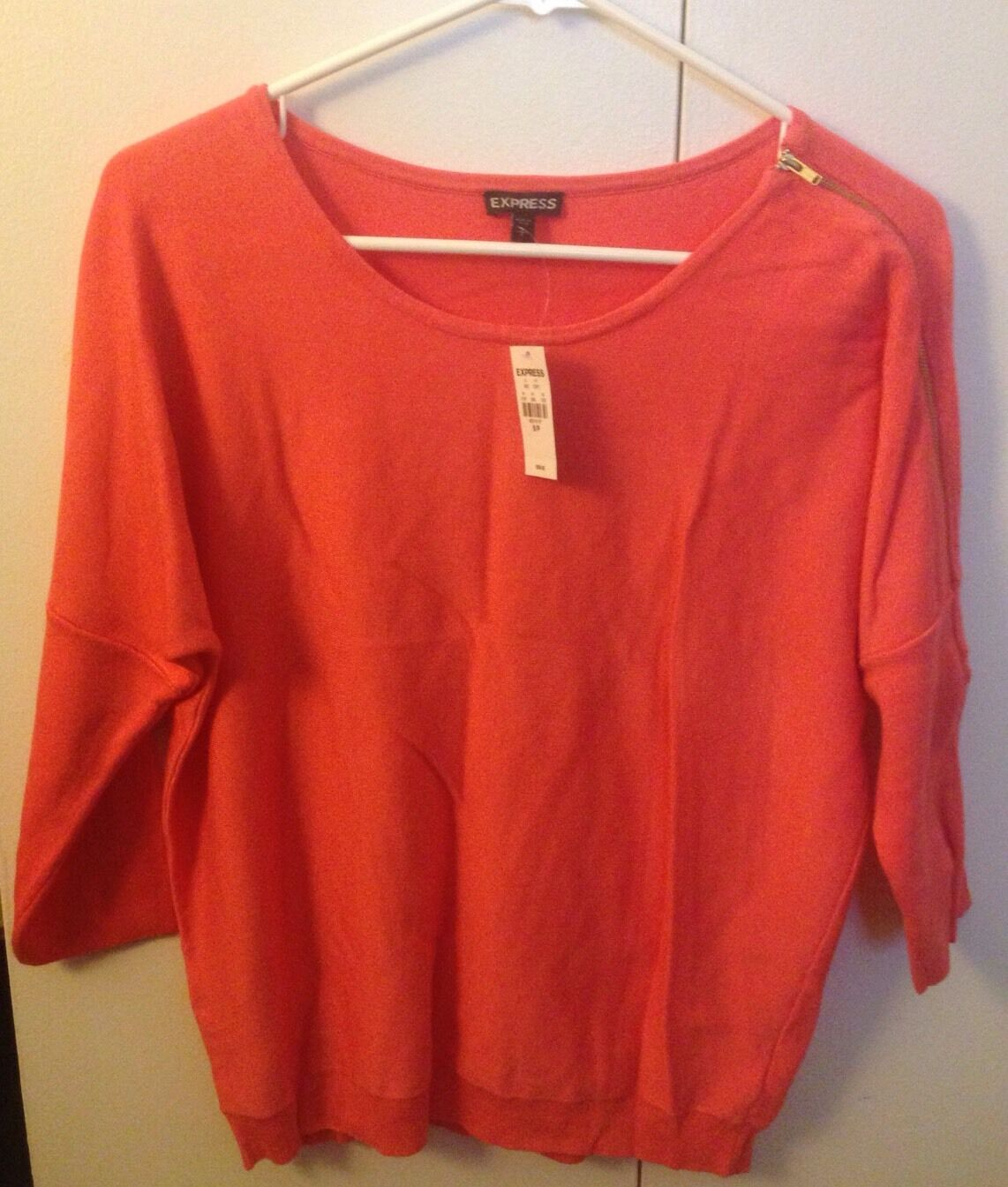 Express Women Fashion Sweater Top Coral 3 4 Sleeves NWT Size Small Sm