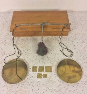 Antique-Gold-Diamond-Apothecary-Finger-Scale-in-Wood-Case-w-Old-Brass-Weights