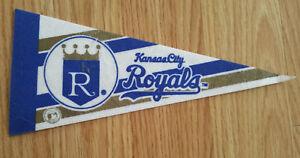 Vintage-Kansas-City-Royals-Mini-Pennant-Banner-Flag