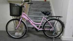 lady-bike-bicycle-with-basket-rear-rack-Excellent-condition