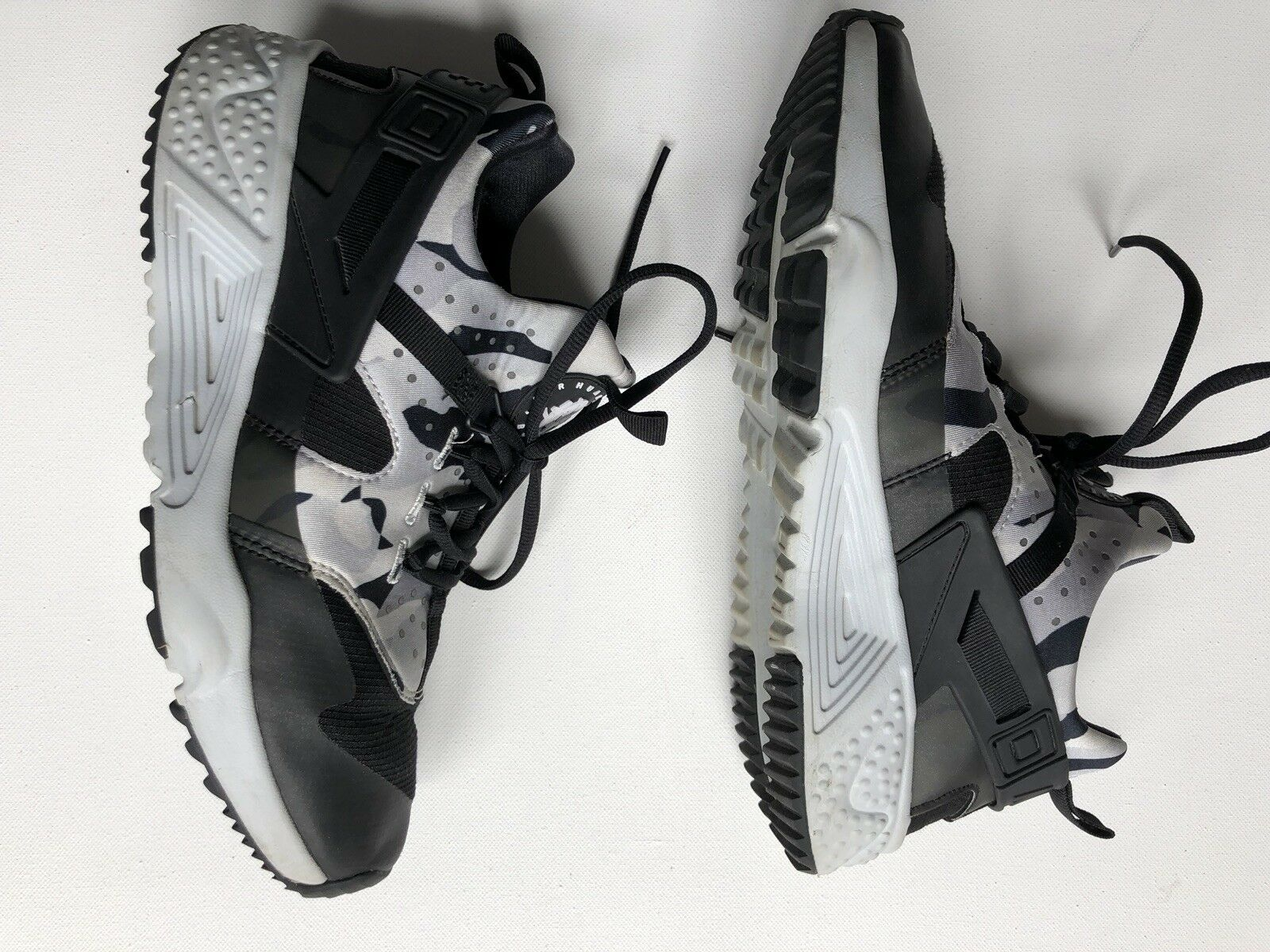 NIKE AIR HUARACHE UTILITY RUNNER Platinum Cam BLACK MENS NEW 806807 001  Comfortable Seasonal clearance sale