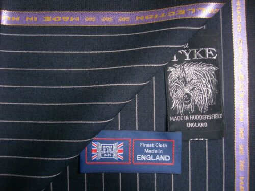 45/% WOOL WORSTED /& 55/% POLYESTER SUITING//JACKETING FABRIC MADE IN ENGLAND= 3.5 m