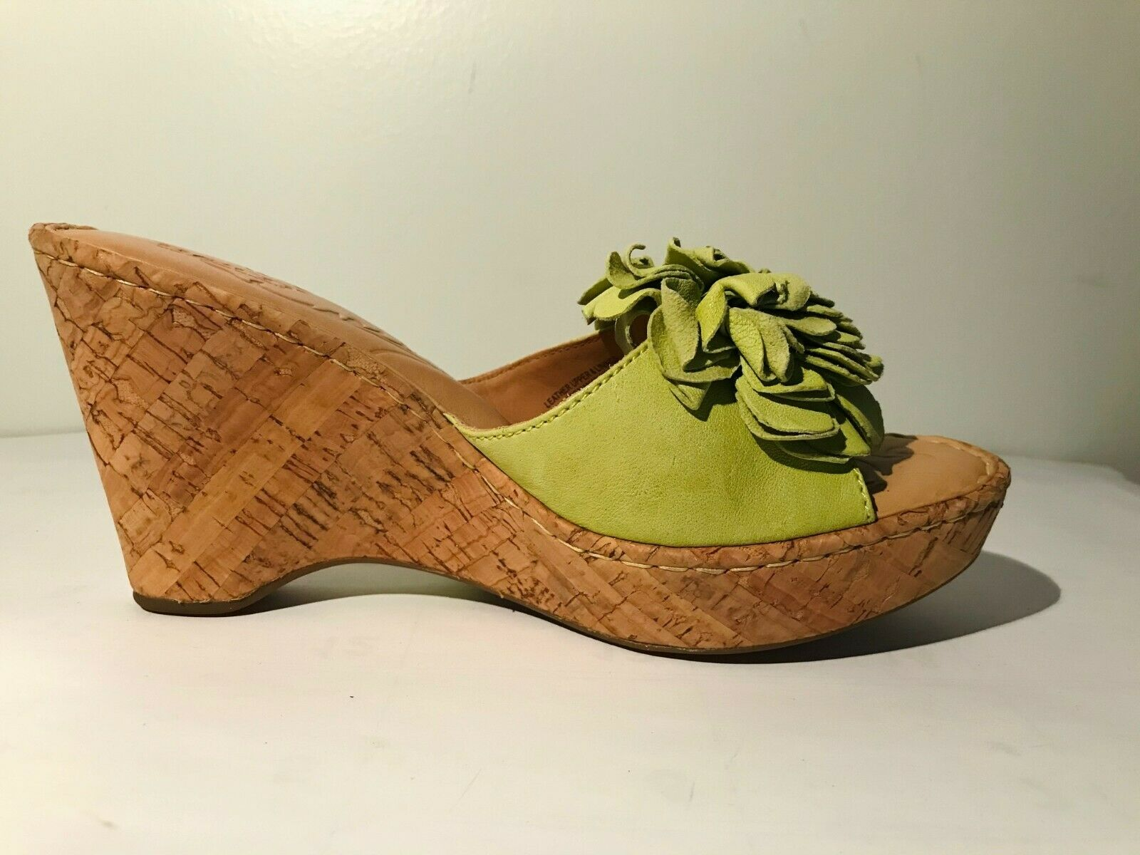 Born Leather wedge Light Green Sandals w/flower d… - image 4