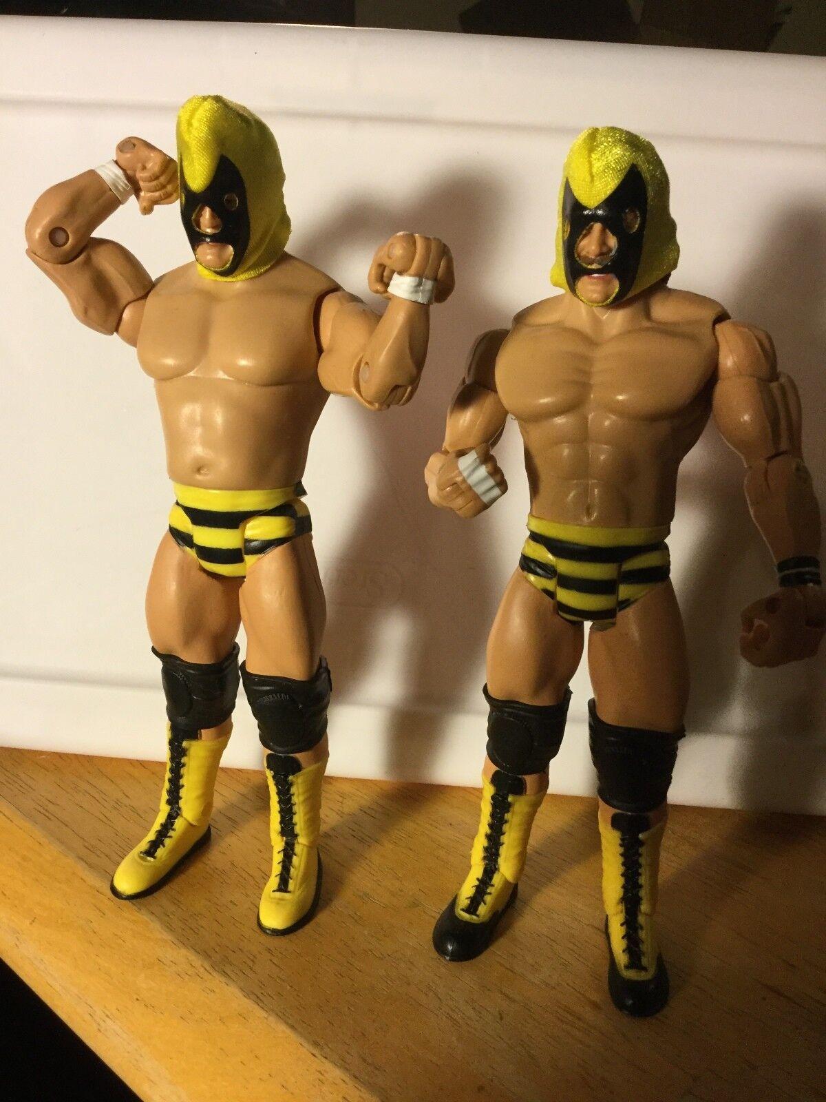 B BRIAN BLAIR & JIM BRUNZELL KILLER BEES JAKKS WWE CLASSIC SUPERSTARS FIGURES