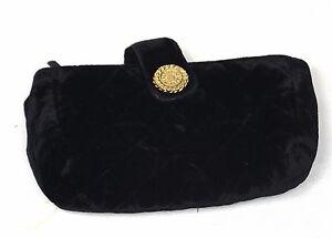 Pochette porte monnaie clutch en velours Chanel. Velvet wallet. Samt ... 874943a6613