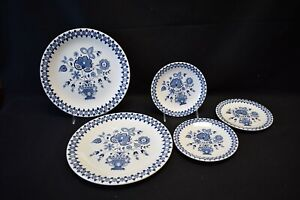 Johnson-Brothers-England-Jamestown-Set-of-2-Dinner-and-3-Bread-amp-Butter-Plates