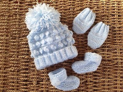 NEW  HAND KNIT UNISEX RED  BOBBLE POM POM HAT,MITTS AND BOOTIES SET IN NEWBORN