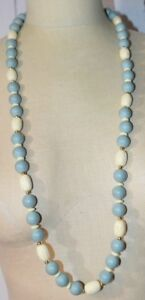 NAPIER-Blue-White-Molded-Plastic-Bead-Beaded-Gold-Tone-Long-Necklace-Vintage