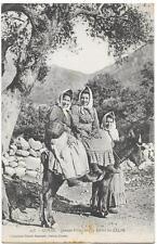 CORSE jeunes filles sur la route de ZILIA gros plan