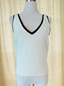 fc51f12563d586 Details about Zara Trafaluc Women s Size Medium White w  Black Tank  Textured Knit Top V Neck