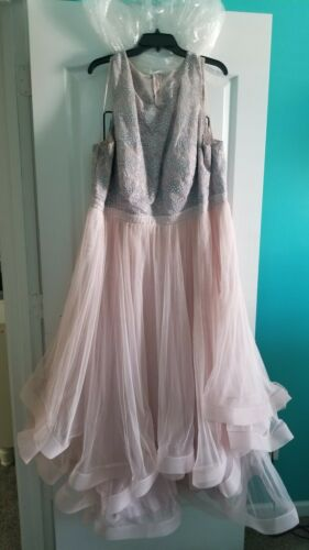 Plus size prom dresses.. 24W