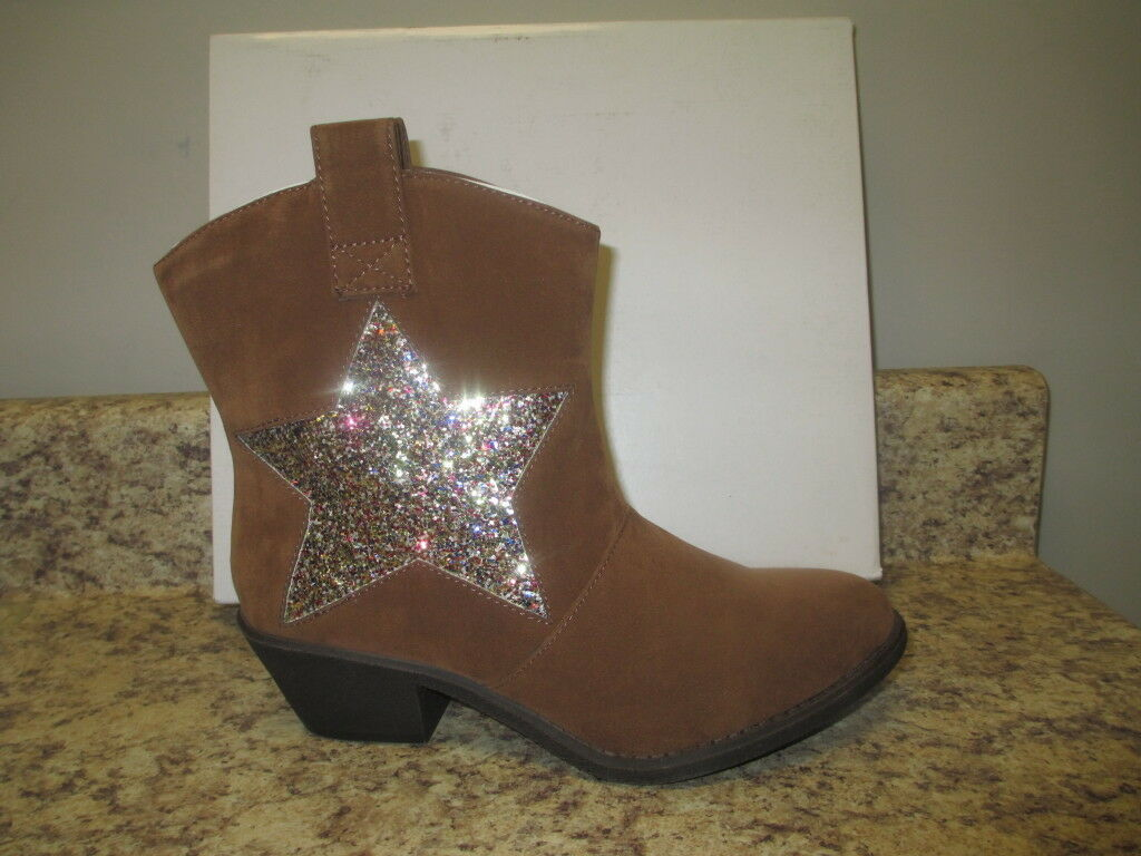 Unlisted  Country Code  Western Ankle Boot 5.5 M Natural Synthetic New with Box