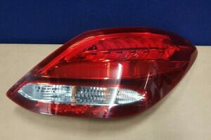 GENUINE-MERCEDES-C-CLASS-W205-O-S-RIGHT-REAR-LED-LIGHT-15-18-A2059061257