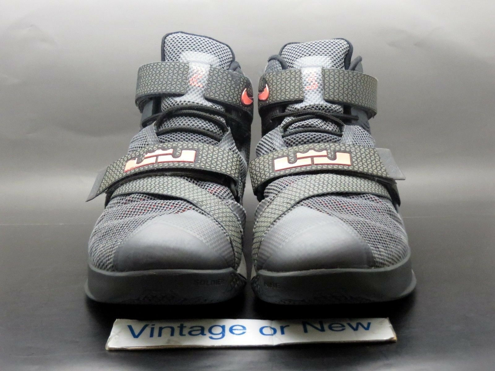 nike lebron soldat ix 9 premium gris foncé de la Noir lave chaude Noir la  sz 10 591789