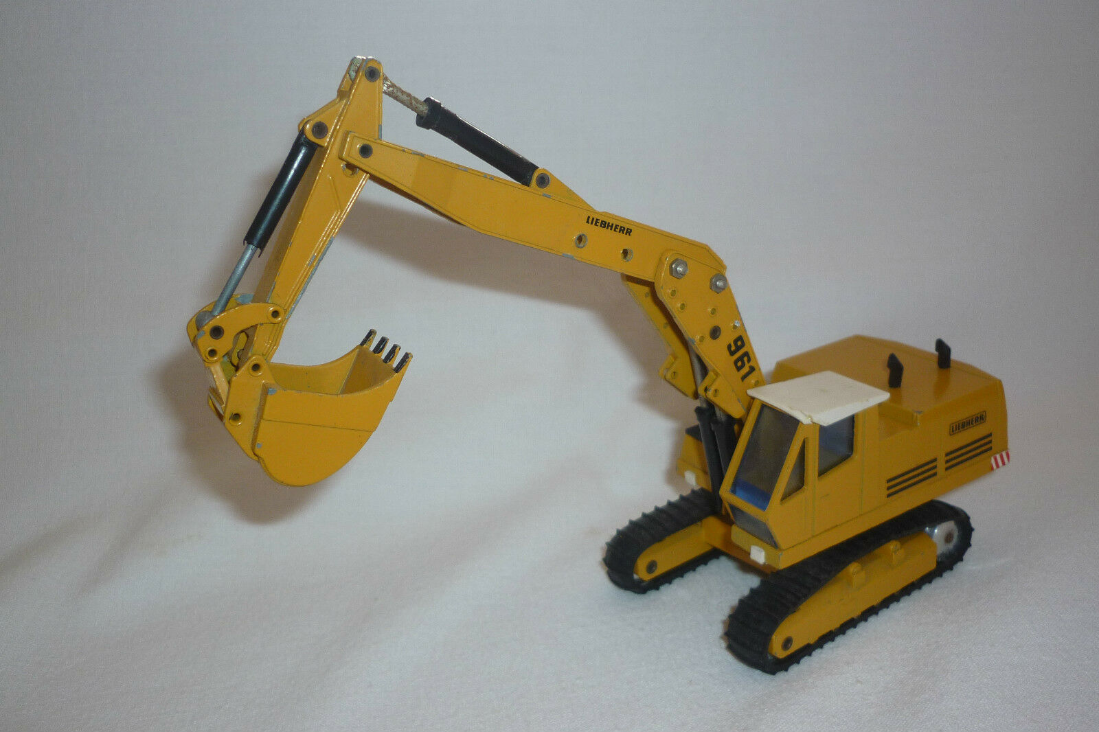 Gescha - Metal Model - Liebherr 961 - Backhoe Loader - 1 50