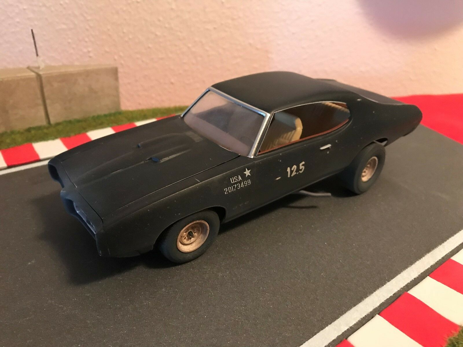 1 24 Pontiac Pontiac Pontiac GTO  Mad Max Style construido a77ffe