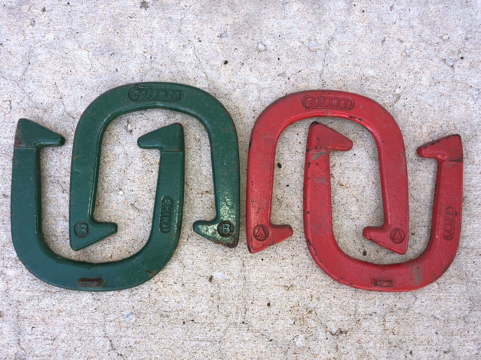 4 Coleman  Horseshoes 2 Red 2 Green  just buy it