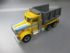 Matchbox: Peterbilt Construction Pace-Truck, 1:80 Scale, made in Macau (SSK65)