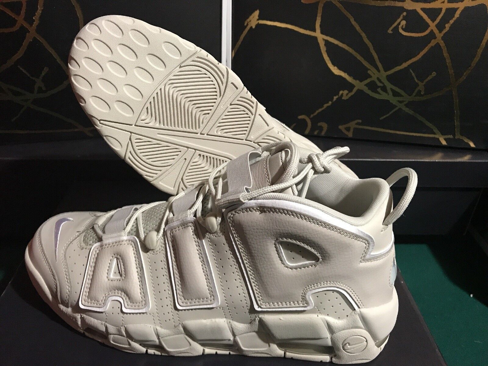 NIKE AIR MORE UPTEMPO '96 921948 001 LIGHT BONE/WHITE Price reduction - LEATHER Seasonal clearance sale